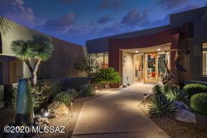 592 W Silhouette Ridge Place, Oro Valley, AZ 85755