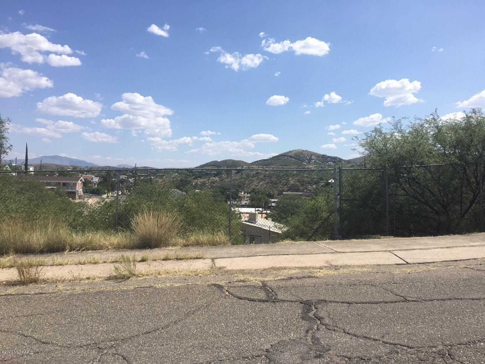 Photo of 590 N Sonoita Avenue, Nogales, AZ 85621
