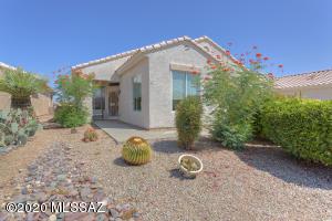 290 W Continental Vista Place, Green Valley, AZ 85614