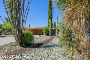 2740 S Hearthstone Drive, Tucson, AZ 85730