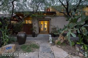 904 W Paseo De La Cosecha, Tucson, AZ 85745