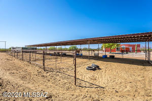 15 - 40' X 20' Shaded stalls