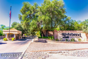7061 E Cll Tabara, Tucson, AZ 85750