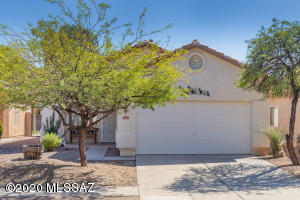 9510 N Englewood Drive, Tucson, AZ 85743