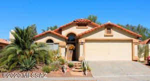 Beautiful home! This home has updated interior paint, updated carpets, and a brand new Roof!