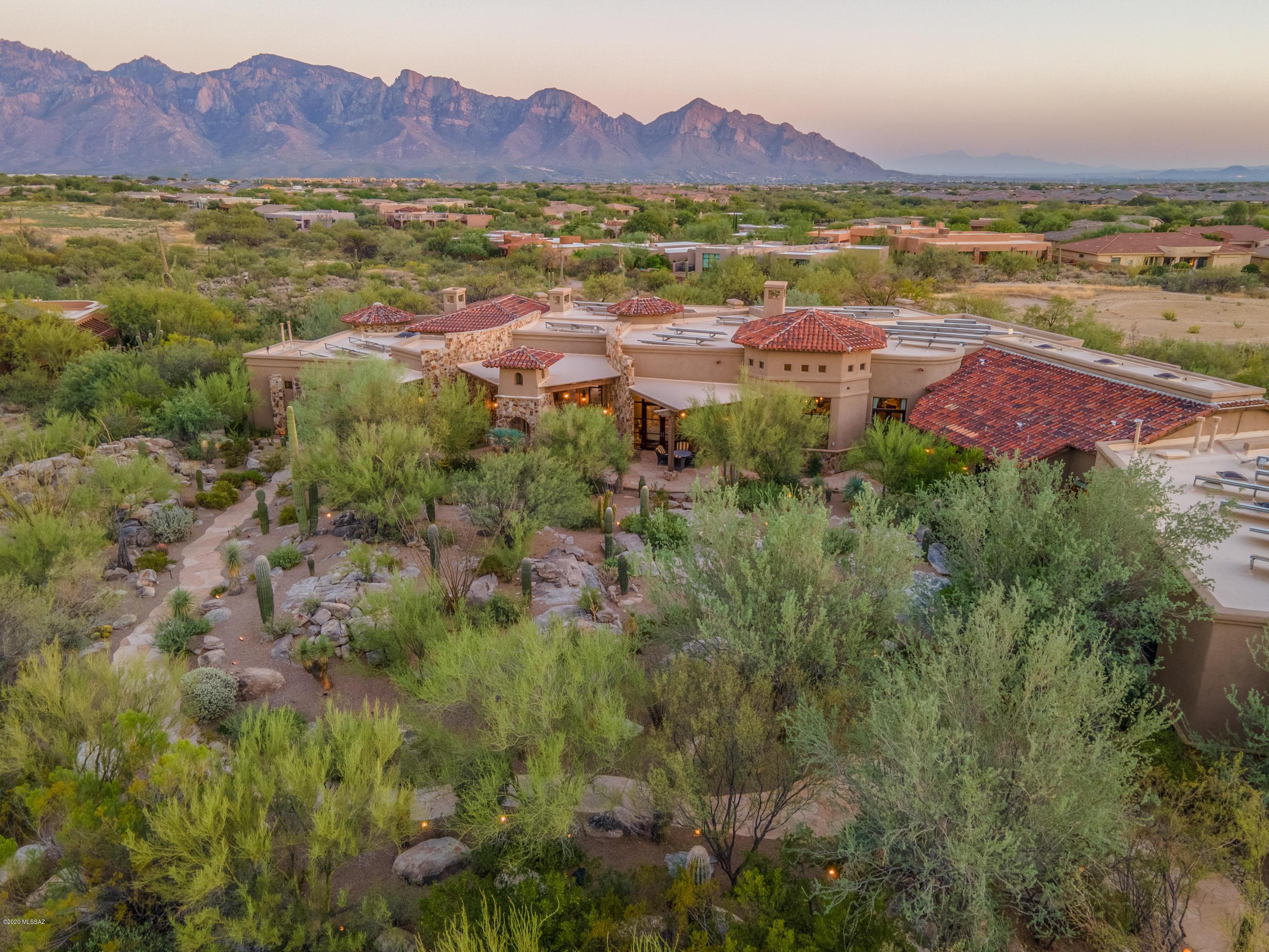Photo of 483 W Tortolita Mountain Circle, Oro Valley, AZ 85755