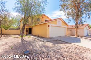 9556 N Albatross Drive, Tucson, AZ 85742