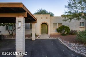 1307 S Harmon Lane, Tucson, AZ 85713