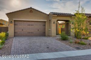 13403 N Flaxleaf Place, Tucson, AZ 85755