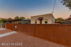 1427 S 9Th Avenue, Tucson, AZ 85713