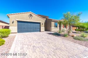 830 W Chrysanthia Court, Oro Valley, AZ 85755
