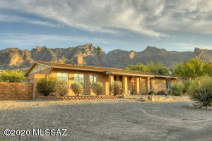 3731 E Lizard Rock Place, Tucson, AZ 85718