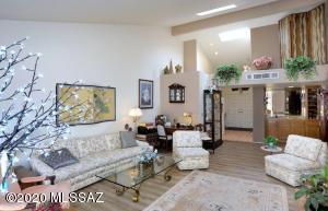 2600 W Crown King Drive, Tucson, AZ 85741