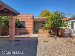 183 N Calle Del Diablo, Green Valley, AZ 85614