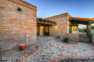 5180 N Montezuma Trail, Tucson, AZ 85750