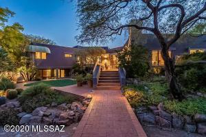 8371 E Brookwood Drive, Tucson, AZ 85750