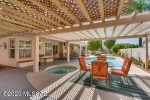 10775 N Torey Lane, Oro Valley, AZ 85737