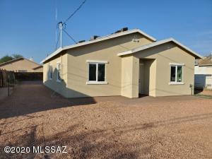 596 W Simmons Road, Tucson, AZ 85705