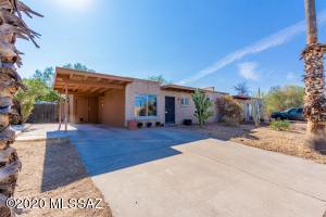 7665 E Queen Palm Circle, Tucson, AZ 85730