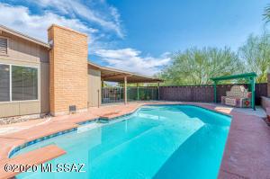 718 N Citadel Avenue, Tucson, AZ 85748