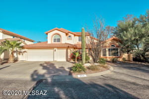 9810 N Windwalker Trail, Tucson, AZ 85742
