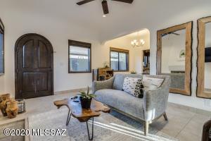 2324 E 6Th Street, Tucson, AZ 85719