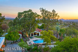 High View City & Mountain 3.2 Acre Lot - 5BR/3.5BA Home - Full 1BR/1BA/Kitchen Guest House - Pool - 7 Car Garage -