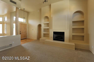 255 E Morning Sun Court, Tucson, AZ 85704