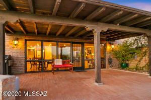 5425 N Soledad Segunda, Tucson, AZ 85718