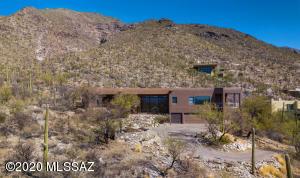 7610 N Camino Sin Vacas, Tucson, AZ 85718