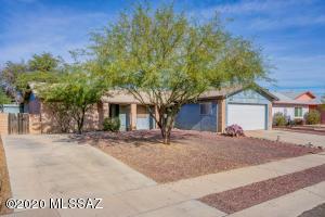 6969 N Northlight Drive, Tucson, AZ 85741