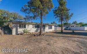 3121 E Greenlee Road, Tucson, AZ 85716