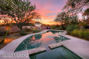 5901 N Calle De La Culebra, Tucson, AZ 85718