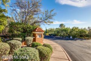 3261 E Wind Song Place, Tucson, AZ 85718