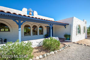 5862 N Camino Miraval, Tucson, AZ 85718