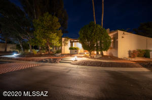 7131 E River Canyon Place, Tucson, AZ 85750
