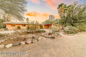 622 N Forgeus Avenue, Tucson, AZ 85716
