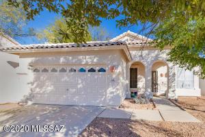 5208 N Windriver Place, Tucson, AZ 85750