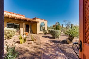 5200 N Pontatoc Road, Tucson, AZ 85718