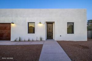 1004 S Russell Ave - New Build 2020 located in Barrio Santa Rosa Historic Neighborhood !
