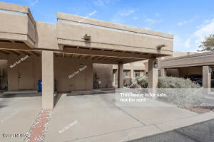 2961 E Greenlee Street, Tucson, AZ 85716