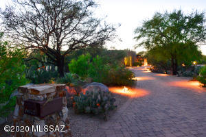 14123 N Hohokam Village Place, Oro Valley, AZ 85755