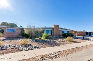 8900 E McClellan Street, Tucson, AZ 85710