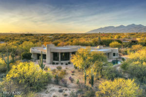 Aerial View of home in Tanque Verde Valley
