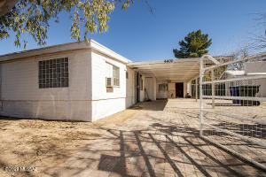 4402 E SENECA Street, Tucson, AZ 85712