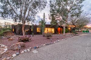 5261 N Calle Oreo, Tucson, AZ 85718