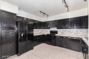 9810 E 2nd Street, Tucson, AZ 85748