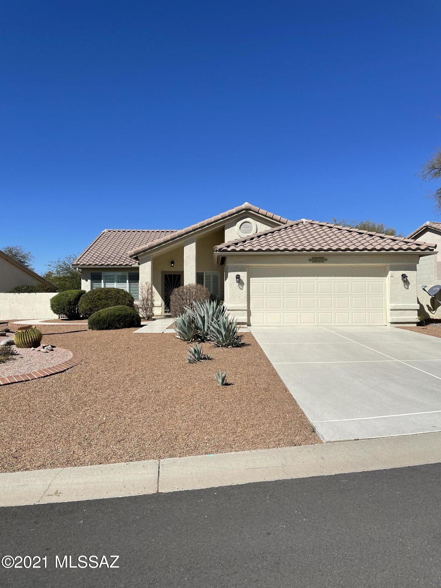 Photo of 38120 S Stone Ridge Court, Tucson, AZ 85739