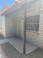 211 W Roger Road, 6, Tucson, AZ 85705