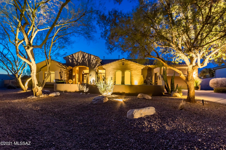 Photo of 13917 Steprock Canyon Place, Oro Valley, AZ 85755